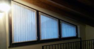 Foto della finestra della mansarda in interno
